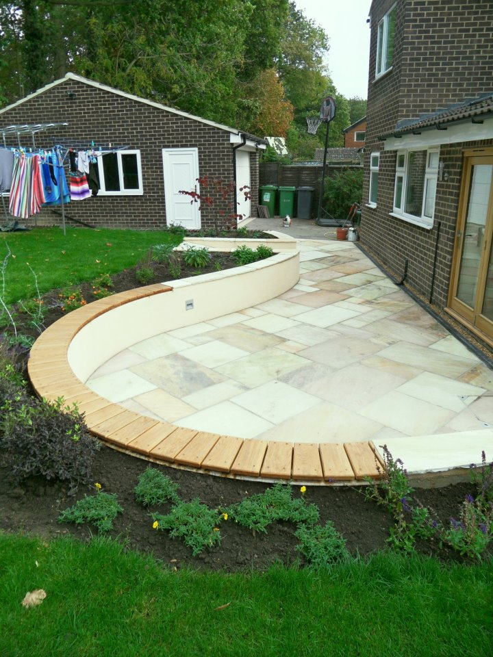 Curved Garden Wall Seat